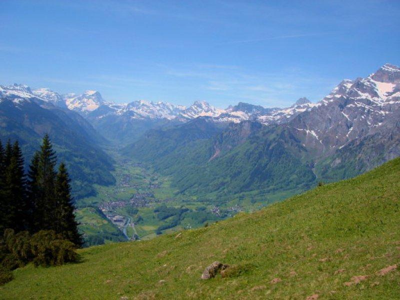 Blick nach Schwanden - Glarus Süd